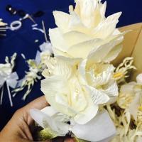 ร่วมประดิษฐ์ดอกไม้จันทน์